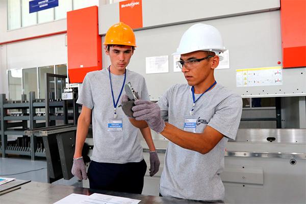 Узбекистан локализует производство текстильного оборудования (фото)